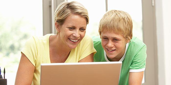 FemaleStudent_laptop.jpg
